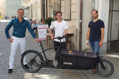 Freuen sich über das Lastenrad-Förderprojekt in Passau: MdL Dr. Markus Büchler, Kreisvorsitzender Matti Weigl und MdL Toni Schuberl